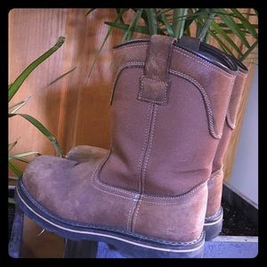 Brahma pull on work boots Sz 9